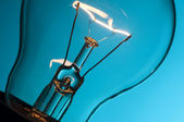 Leuchtende glühbirne — Stockfoto