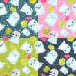 Halloween ghosts seamless pattern. Cute vector background. — Imagen vectorial