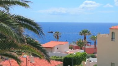 Luxury houses with seaview in Callao Salvaje district. Adeje, Tenerife Island. — Stock Video