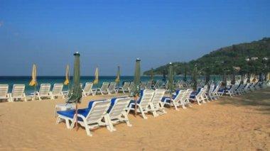 在普吉岛的美丽和著名的卡隆海滩. — 图库视频影像