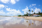 Beach with sand dunes and house, Pititinga, Natal (Brazil) — Стоковое фото