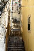 Flight of steps in Alfama, Lisbon (Portugal) — Stock Photo
