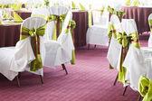 Tabela zestaw na wesele lub inną pokrywane obiad impreza — Zdjęcie stockowe
