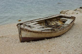 Old Wooden Boat On The Coast — Stock Photo