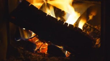 Firewood burning in oven — Stock Video
