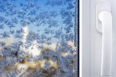 Winter patterns on window — Stock Photo