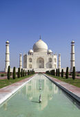 Taj mahal, A monument of love. A famous historical monument, The Greatest White marble tomb in India, Agra, Uttar Pradesh — Stock Photo