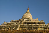 Ancient Buddhist pagoda temples in Bagan, Myanmar — Stock Photo