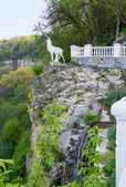 Deer sculpture above the canyon — Stock Photo
