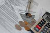 Paying taxes — Stock Photo