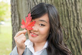Portrait of girl during autumn — Foto Stock