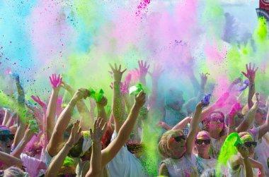 Minneapolis color run with participants