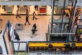Drukke gang in eaton center — Stockfoto