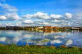 Rusia, la ciudad de kostroma, río kostroma — Foto de Stock