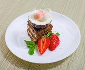 Torta dulce con fresa — Foto de Stock