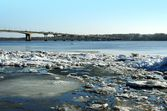 Spring. Drifting Ice on river Volga. — Stock Photo