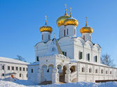 Christianity cathedral in Russia, Kostroma city, Ipatievsky monastery — Stock Photo