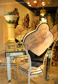 Shoping in Venice. Seat in shop — Stockfoto