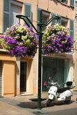 Luxury hotel and motorcycle — Stock Photo