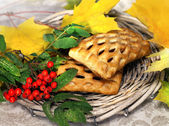 Fresh baked and fall leaves — Stockfoto
