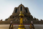 Wat Arun Buddhas — Stockfoto