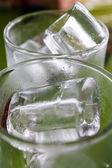 Ice in tumbler — 图库照片