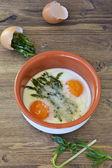 Espárragos al horno con huevo. — Foto de Stock
