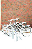 Two bikes in snow — Stockfoto