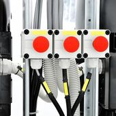Controlers i industriella pannrummet — Stockfoto