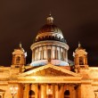 图库照片: Saint Isaac's Cathedral in Saint Petersburg by night