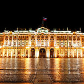 Winter Palace (Hermitage) Saint Petersburg city by night — Stockfoto
