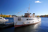 River tourist ship in the harbour of Stockholm — Foto Stock
