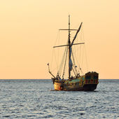 Old historical sail ship at the suhnet — Stock Photo
