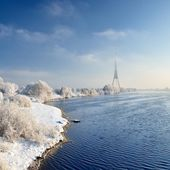 Winter landscape. Daugava river and TV tower — Stock Photo