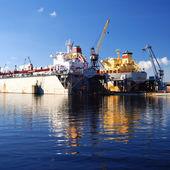 造船所のドックの船 — ストック写真