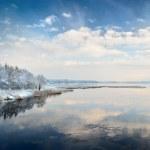 Beautiful winter lake — Stock Photo #42688445
