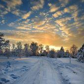 Winter landscape at sunset — Stock Photo