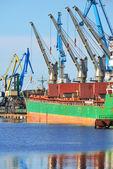Cargo ship  loading in cargo terminal of Riga — Stock Photo