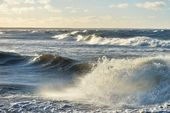 Big and powerful sea waves during the storm — Stock Photo