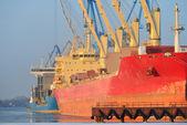 Cargo ships (Bulk carriers) in Riga — Stock Photo