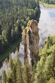 "Chief among Usvinskih rocky outcrop is 70-meter cliff called ""Devil's finger"" — Stock Photo"