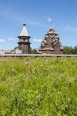St. petersburg. rosja. drewniana cerkiew. — Zdjęcie stockowe