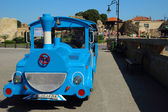 Tourist train standing in anticipation of the departure of their route,Nessebar, Bulgaria, July 30, 2014 — Foto Stock