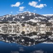 Lake Millstatt, City Mountain Blue Sky Reflection In Winter — Stock Photo