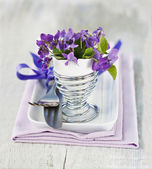 Table Decoration with Viola Flowers — Foto Stock