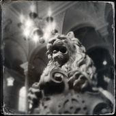 Statue of Lion on Castle — Stock Photo