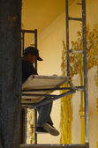 CHIANGRAI, THAILAND - MAR 2: Unidentified people under to decorate art at Wat Rong Khun a famous white temple at northen thailand on 2 March 2014 at Wat Rong Khun, Chaingrai, Thailand. — ストック写真