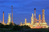 Oil refinery at twilight sky — Stock Photo