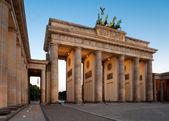 Berlin, Brandenburg Gate at dawn — Stock Photo