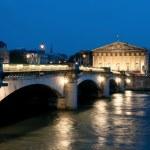 Pont de la Concorde in Paris — Stock Photo #33383043